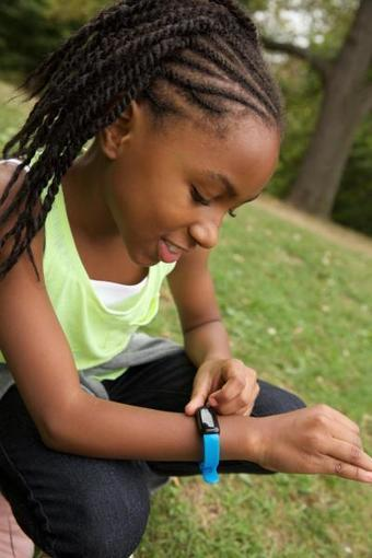 Wearable fitness trackers help kids take healthy steps   Kickin' Kickers   Scoop.it