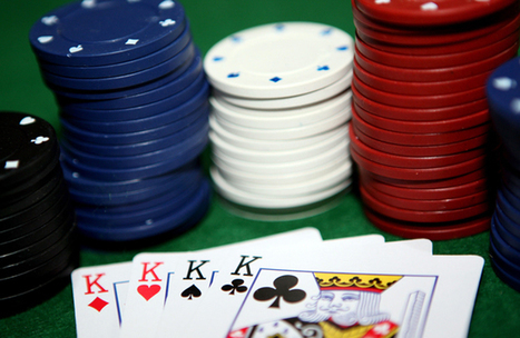 Facebook : le réseau social fait la guerre au Poker | Geek 2015 | Scoop.it