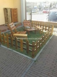 Outdoor furniture set for the garden built using pallets | Upcycled Objects | Scoop.it