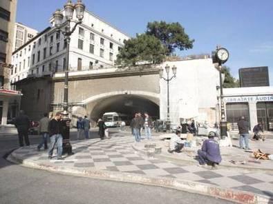 Alger se fait belle - Actualité - El Watan | Hollande en Algérie | Scoop.it