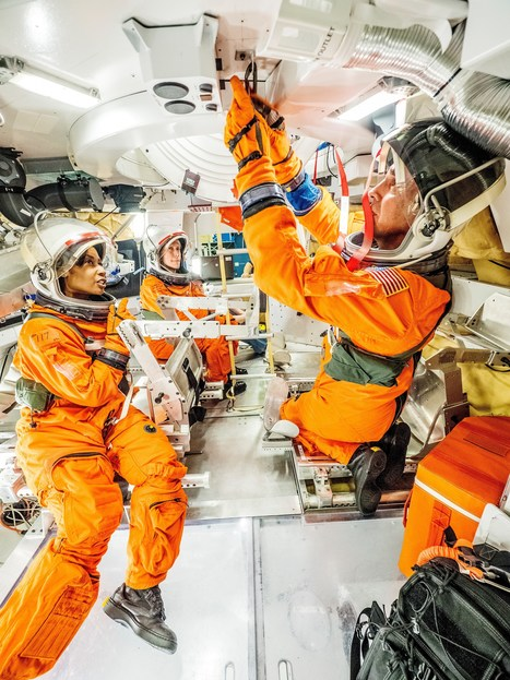 Astronauts Test Orion Docking Hatch For Future Missions | New Space | Scoop.it