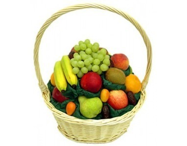 Two kg Fruit basket | 12 Red Roses N 2kg Fruit Basket | Scoop.it