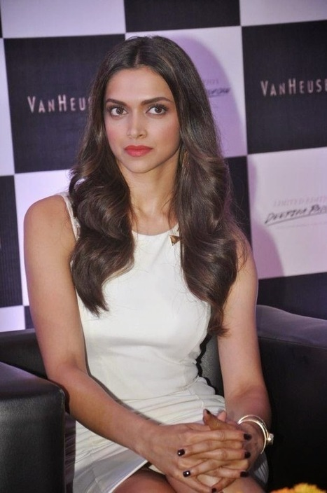 Deepika Padukone Wardrobe Malfunction Pics From Van Heusen 2014 Collections Launch Event - Hot Indian Actress Photos| Movie News| Movie Reviews | Movie Reviews | Scoop.it