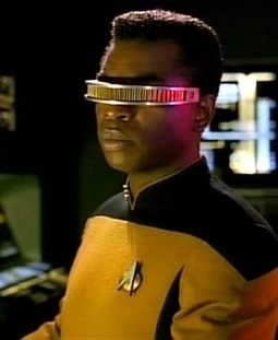 How Google Glasses Could Revolutionize Virtual Advertising - Forbes | An Eye on New Media | Scoop.it