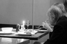 Día Internacional de las Personas Mayores: por el fin de una vida en soledad   EROSKI CONSUMER   Temas varios de Edu   Scoop.it