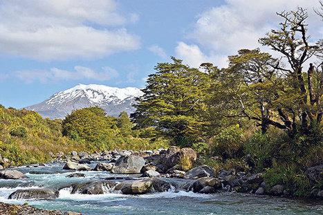 Tongariro: Mountain adventure - New Zealand Walks - NZ Herald News | Gt Barrier Island and Tongariro National Park | Scoop.it