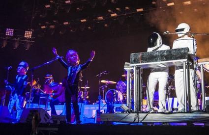 Arcade Fire enganam multidão com Daft Punk falsos   Indie rock music   Scoop.it