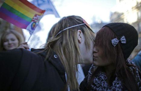 L'Assemblée adopte l'article 1 ouvrant le mariage aux personnes de même sexe | Homophobie | Scoop.it