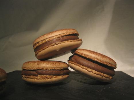 Macarons aux chocolat amer de Pierre Hermès | Les p'tits plats | Scoop.it