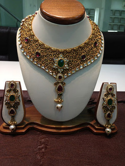 Jewellery Of Our Soul ..................: Pramukh Pujan Unbelievable Jewelry For Your Family.   pramukh pujan jewels   Scoop.it