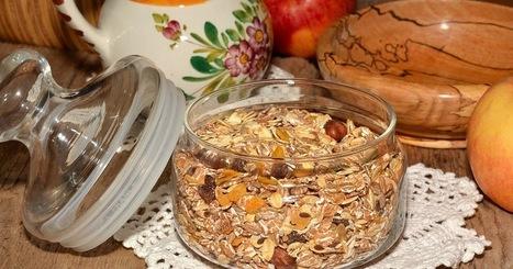 Recette de muesli (birchermuesli) aux flocons d'avoine, pommes, noisettes (Suisse, Zurich)   Petits déjeuners et pains de la rue, dans le monde   Scoop.it