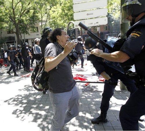 Recortes a la libertad de información en España – periodismohumano