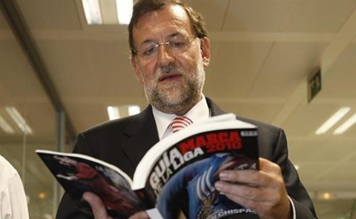 Rajoy se equivoca y presenta como documento de gobierno la 'Guía Marca de La Liga' de fútbol · eljueves.es · ¡Manda güevos! | Partido Popular, una visión crítica | Scoop.it
