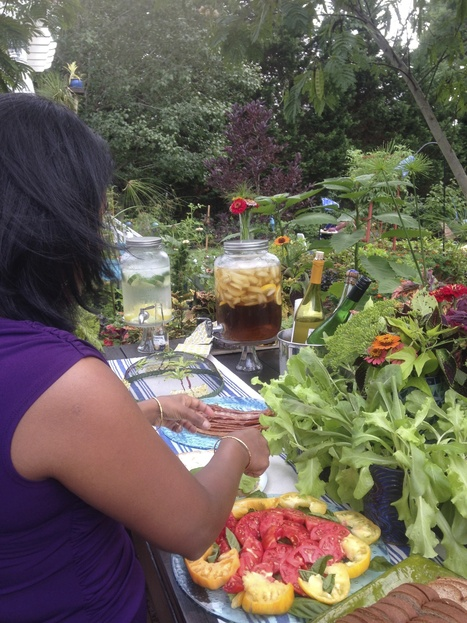 Gardening Tricks That Work: Grow Lettuce Anytime For Your Buffett   Annie Haven   Haven Brand   Scoop.it