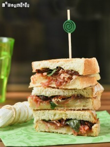 Sandwich mixto con tomates en aceite y albahaca | L'Exquisit | À Catanada na Cozinha Magazine | Scoop.it