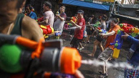 Bataille d'eau géante en Thaïlande pour le fête de Songkran | Bali, Java,  (Indonésie),  Malaisie | Scoop.it