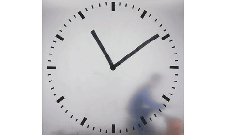 Dedicated Artist Films Himself Repainting This Clock Every Minute For 12 Hours Straight | Strange days indeed... | Scoop.it