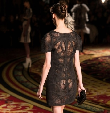 3D printed 'tech couture' dresses hit the runway at Paris Fashion Week | Arena poslovnih rešitev in ArenaLab | Scoop.it