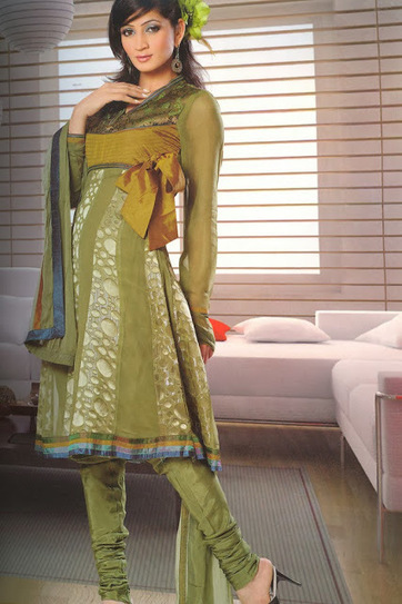 Indian Anarkali Churidar Design Ideas for Girls Stylish Layered Anarkali | Indian Fashion Updates | Scoop.it