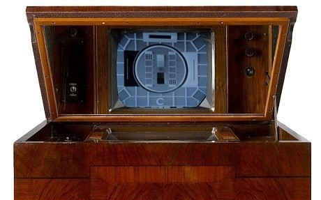 Britain's oldest working television goes up for auction | All Geeks | Scoop.it