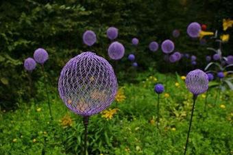 Construct allium inspired garden stakes | gardening | Scoop.it