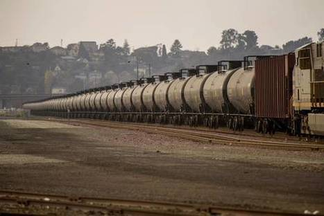 Crude Slump, Pipeline Expansion Mark End of U.S. Oil-Train Boom | Grain du Coteau : News ( corn maize ethanol DDG soybean soymeal wheat livestock beef pigs canadian dollar) | Scoop.it