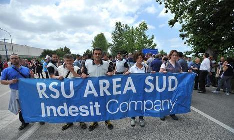 Corteo Indesit a Caserta, tensione e lancio di uova contro Provincia e Industriali | CARUSATE | Scoop.it