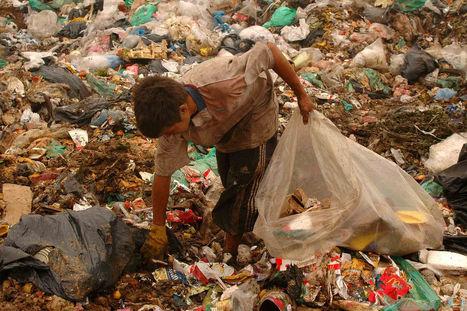Denuncian que 100 chicos comen y trabajan en el reciclado ante la complicidad del Estado Municipal | Infraestructura Sostenible | Scoop.it