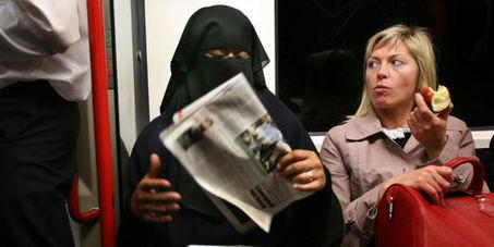 De passage en Angleterre : voilées à gogo dans les entreprises et services publics, et musulmans en nombre ! | Résistance Républicaine | Islam : danger planétaire | Scoop.it