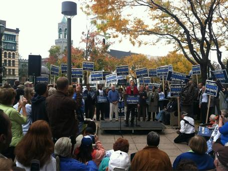 photo: Elizabeth Warren endorsed by Mayor Domenic Sarno in Springfield today | Massachusetts Senate Race 2012 | Scoop.it