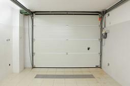 Garage Door Repair Cicero - Professionals Over DIY?   Cicero Garage Door Repair   Garage Door Repair Cicero   Scoop.it