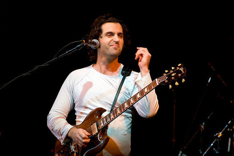 Musician Dweezil Zappa Responds to Photographers About His Strict Contract | xposing world of Photography & Design | Scoop.it