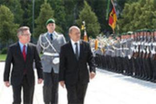 Visite de Jean-Yves Le Drian à Berlin : une rencontre (...) - France-Allemagne.fr | Hallo France,  Hallo Deutschland     !!!! | Scoop.it