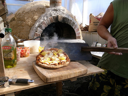 Build Your Own $20 Outdoor Cob Pizza Oven | The Year of Mud | Vintage Living Today For A Future Tomorrow | Scoop.it