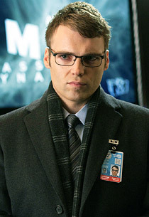 Fringe: Seth Gabel Not Returning as Series Regular in Season 5 | Fringe Chronik | Scoop.it