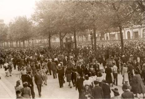 """Paris, France, The """"Champs-Elysee"""", 1944-1945. - 37 photographs from 1944-1945 which were taken by Jane Meltzer's uncle who served in the US Army, Paris, France. 