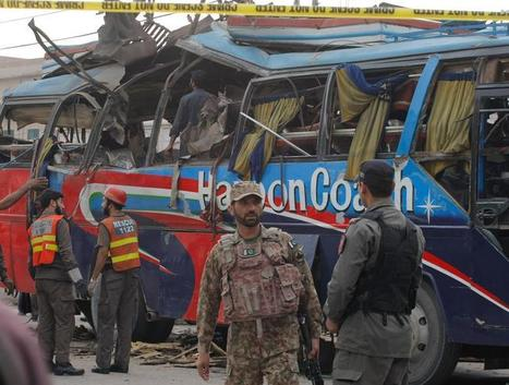 Peshawar bomb kills at least 16 on bus for Pakistani government officials | The Pulp Ark Gazette | Scoop.it