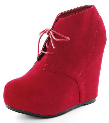 My Girl Friends' Tip on How to Wear Red Shoes | All About Boots | Scoop.it