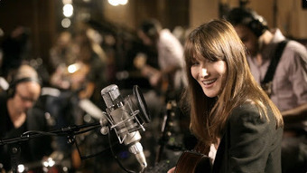 Carla Bruni Shows Artistic Range With Acoustic Premiere Of New Video | Andrew Surwilo Franklin - The Perfect Musicians | Andrew Surwilo Franklin - The Perfect Musicians | Scoop.it
