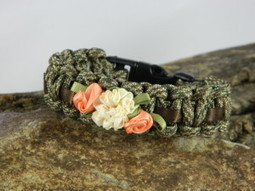 6″ Para-Bling Bracelet, Camo W/ Brown Ribbon & Ivory and Peach Flowers | Papa Jelly Survival | Survival Life | Scoop.it