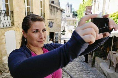 Saint-Emilion : une guide aux petits soins des touristes | Actu Réseau MOPA | Scoop.it
