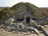 """BULGARIE : At """"Europe's Oldest Town,"""" Unusual Fortifications Hint at Prehistoric Riches 