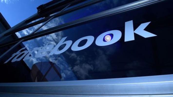 Facebook recule sur les publicités ciblées, mais devient une régie globale | Relations publiques, Community Management, et plus | Scoop.it