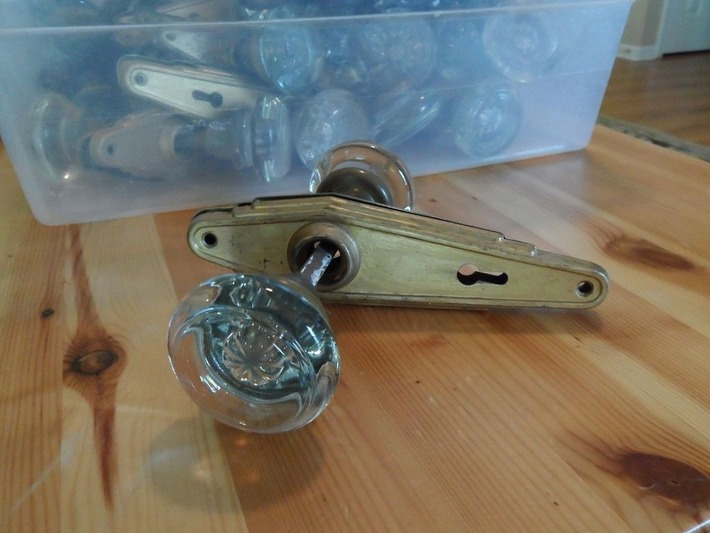 Gorgeous Clear Glass Doorknobs with Art Deco Plates   Antiques & Vintage Collectibles   Scoop.it