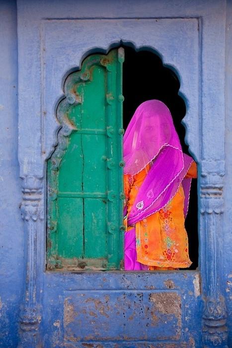 Veiled woman in a window, jodhpur, rajasthan - india | Una imagen lo dice todo | Scoop.it