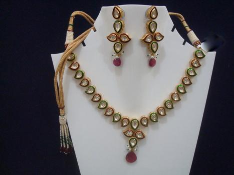 Semi Precious Jewelry - Daphne Bazaar | Ruby AD Pendant and Earrings | Scoop.it