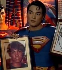 Il a recours à la chirurgie esthétique pour ressembler à Superman | Mais n'importe quoi ! | Scoop.it