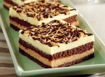 Three Layer Cheesecake Squares | The Man With The Golden Tongs Hands Are In The Oven | Scoop.it