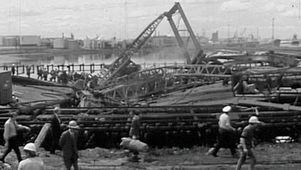 West Gate Bridge collapse - 80 Days That Changed Our Lives - ABC Archives | West Gate Bridge | Scoop.it