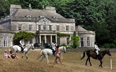 Zara Phillips and Mike Tindall sell home for move to Princess Royal's estate - Telegraph | Fran Jurga: Equestrian Sport News | Scoop.it